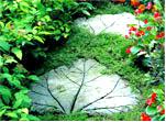 """Дорожка из """"каменных"""" листьев"""